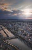 De Zegen van Parijs en van de Rivier bij zonsondergang royalty-vrije stock fotografie
