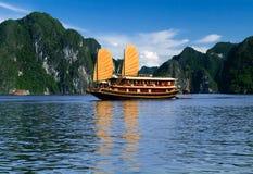 De zeilboot van Vietnam Stock Foto