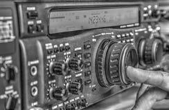 De zendontvanger van de hoge frequentie radioamateur in zwart-wit royalty-vrije stock fotografie
