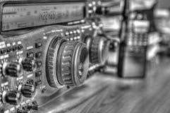 De zendontvanger van de hoge frequentie radioamateur in zwart-wit royalty-vrije stock afbeeldingen