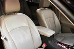 De zetel van de leerauto Auto binnenlandse details stock afbeelding