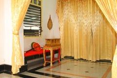 De zetel van monniken met de boekenkast van tripitaka voor laatste requiem Royalty-vrije Stock Foto