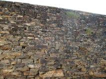 De zeventiende eeuwbakstenen muur royalty-vrije stock afbeeldingen