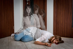 De ziel verlaat het lichaam na de vrouwen` s dood royalty-vrije stock foto's