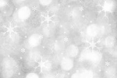 De zilveren achtergrond van de de wintersneeuwvlok voor Kerstmis Stock Foto