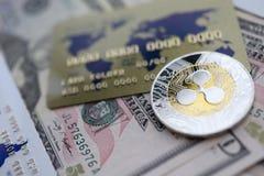 De zilveren close-up van de muntstukrimpeling XRP ligt op lijst stock fotografie