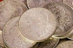 De zilveren dollars van Morgan royalty-vrije stock afbeeldingen