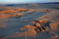 De zilveren Duinen van het Zand van het Meer Stock Afbeeldingen
