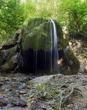 De Zilveren stroom van de waterval Stock Foto's