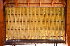 De zitting van de bamboeschuilplaats Royalty-vrije Stock Fotografie