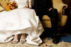 De zitting van de bruid & van de bruidegom Royalty-vrije Stock Fotografie