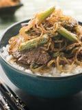 De zoete Filet van het Rundvlees van de Soja met Noedels Shirakaki op Ri Royalty-vrije Stock Afbeelding