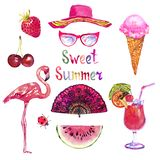 De zoete de zomerwaterverf isoleerde illustratie roze reeks, hoed, glazen, kers, aardbei, roomijs, flamingo, Spaanse ventilator vector illustratie