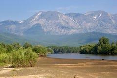 De zomer in Baikalia, Hogere Angara royalty-vrije stock fotografie