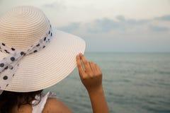 De zomer blauwe hemel, overzees Stock Foto