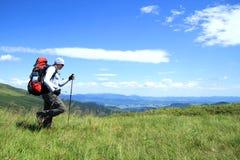 De zomer die in de bergen wandelen Royalty-vrije Stock Afbeeldingen