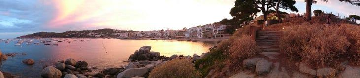 De zomer door het overzees, Llafranc, Catalonië, Spanje Stock Foto