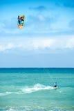 De zomer extreme sporten De activiteit van de vliegerbranding van atleet Royalty-vrije Stock Foto
