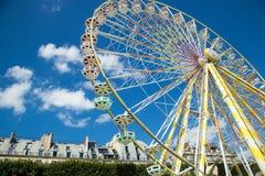 De zomer funfair in de Tuileries-Tuinen, in het centrum van Pari stock afbeeldingen