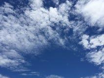 de zomer hemel Royalty-vrije Stock Afbeeldingen