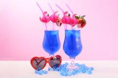 De zomer is hier Blauwe Cocktails Royalty-vrije Stock Fotografie