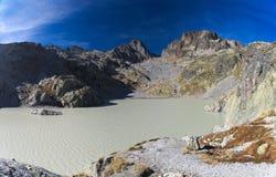 De zomer hoge berg lanscape royalty-vrije stock afbeeldingen