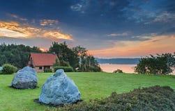 De zomer landelijk landschap bij dageraad Royalty-vrije Stock Afbeeldingen