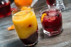 De zomer niet-alkoholische dranken stock afbeeldingen