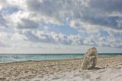 De zomer op het strand Stock Afbeeldingen