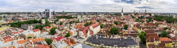 De zomer op de Oude Stad van Tallinn royalty-vrije stock foto's