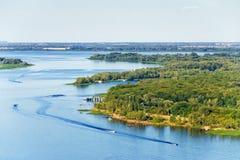 De zomer Riverscape stock afbeeldingen