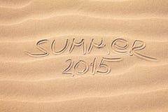 De zomer van 2015 handschrift op het zand Royalty-vrije Stock Afbeelding