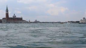 De zomer van Italië, van Venetië, van kanalen en van boten inm stock videobeelden