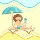 De zomerachtergrond met de mens op strand onder paraplu Royalty-vrije Stock Afbeelding
