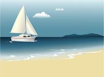 De zomerachtergrond met overzees en boot Stock Afbeelding