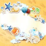 De zomerachtergrond met pictogrammen en exemplaarruimte Royalty-vrije Stock Afbeelding