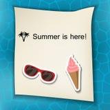 De zomerachtergrond met stickers Stock Afbeeldingen