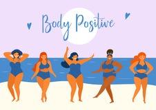 De zomeraffiche met gelukkig plus groottemeisjes in in de zomerzwempakken Lichaamspositief Vector ontwerpelementen vector illustratie