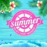 De zomeraffiche op blauwe houten achtergrond Van letters voorziend de vakantie van de affichezomer, geniet enery van ogenblik Royalty-vrije Stock Fotografie