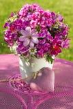 De zomerbloemen royalty-vrije stock afbeelding