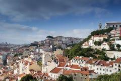 De zomercityscape van de stad van Lissabon Stock Foto