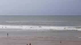 De zomerdag bij het strand in lacanau-Oceaan, Bordeaux, Frankrijk stock videobeelden