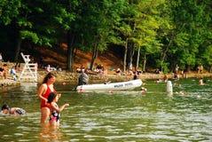 De zomerdag in Walden Pond, Massachusetts Royalty-vrije Stock Afbeeldingen