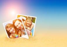 De zomerfoto's op het strand Stock Afbeelding