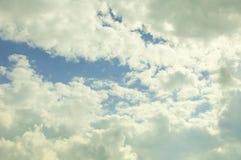 De zomerhemel en wolken in het UK Royalty-vrije Stock Afbeeldingen