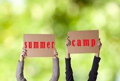 De zomerkamp stock afbeeldingen