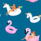 De zomerpatroon met leuke meisjes in in zwempakken op opblaasbare zwembadenflamingo's en eenhoorn Vector naadloze textuur stock illustratie