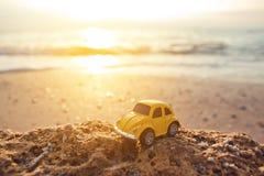 De zomerreis door auto aan het overzees royalty-vrije stock fotografie