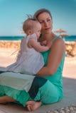De zomervakantie met baby Stock Fotografie