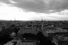 De Zomerzonsondergang van Parijs Stock Foto